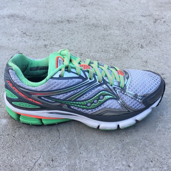 fc1d9ef8ec1d Saucony Hurricane 16 women gray green Pinkrun shoe.  M 5b4c0ab96a0bb7e630b41d07